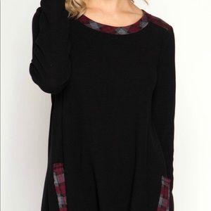 She + Sky Boutique Black Plaid Tunic Small